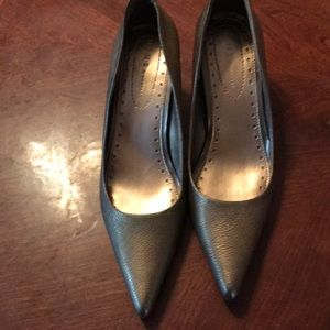 Women's nine & Co heels size 7 1/2